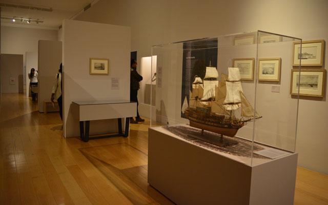 "En la exposición ""A bordo de un navío esclavista, La Marie-Séraphique""."