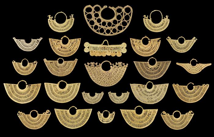 Imagen: Conjunto de orejeras con los cuatro tipos de reparación prehispánica, sus combinaciones o parejas con una orejera sin accidentes o reparaciones. Colección Museo del Oro. Foto: Clark Rodríguez - Museo del Oro - Banco de la República.