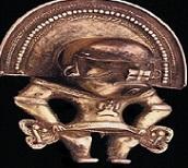 Colgante tairona, período tardío, 600 a 1600 d.C., 7.2 x 5.9 cm. Colección Museo del Oro del Banco de la República. O11795.